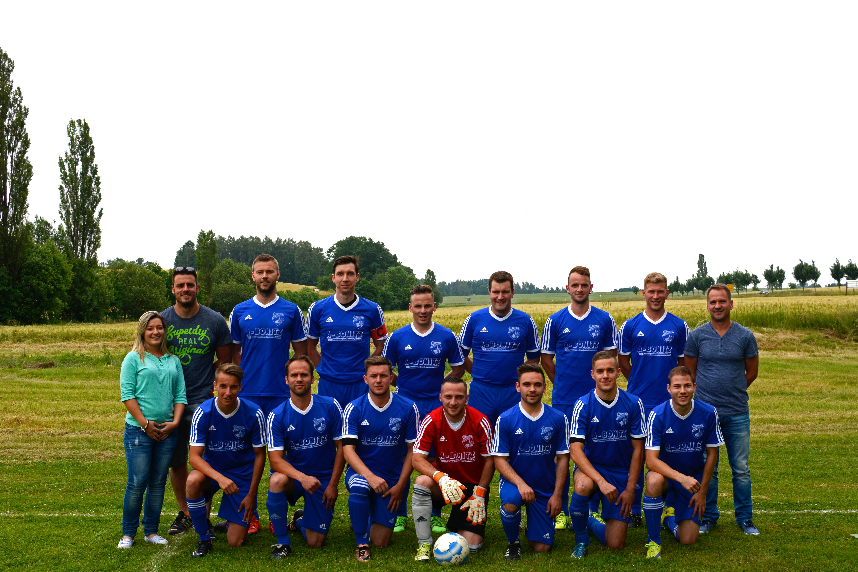 Mannschaftsfoto der Ersten Herren Mannschaft Fußball